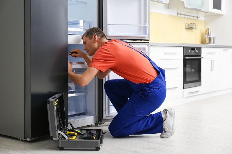 میزان درآمد تعمیرکار یخچال خانگی چقدر است؟